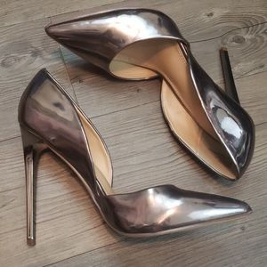 Just Fab LIKE NEW Silver Heels size 10